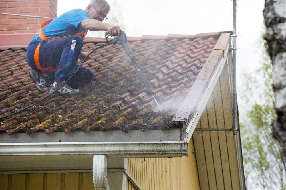 Calgary Roofing Companies | Claw Roofing Specialists Calgary Roofing Company - Claw Roofing - Summer roof maintenance
