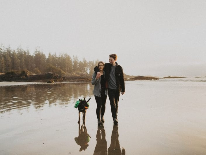 Isaac & Lizzie - Tofino Lifestyle Session